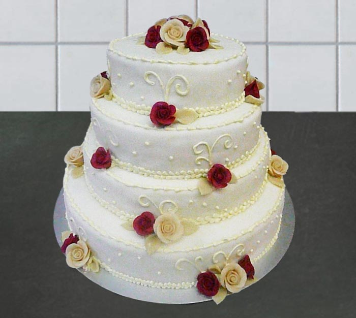 Hochzeitstorte 4 Stock mit Rosen