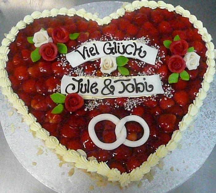 Hochzeitstorte Gersthofen Herz fruchtig